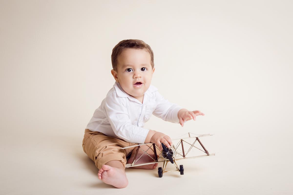meu avião bebe de 10 meses em ensaio familia estudio Gabi Aine Brasilia DF