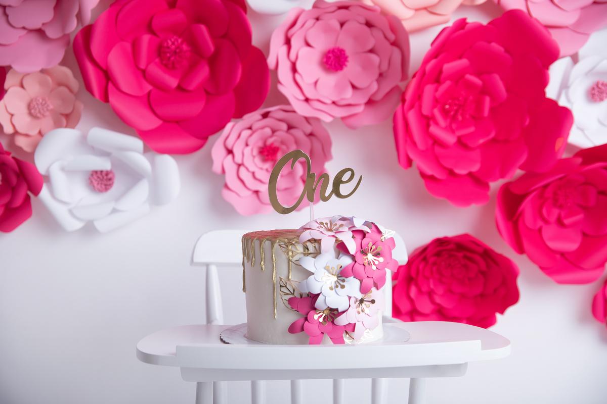 Smash The Cake flores em vários tons de rosa, Brasilia DF