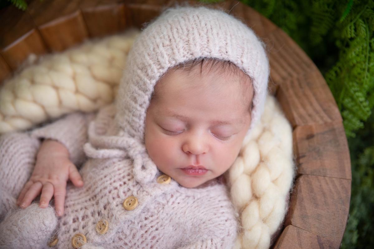 Newborn no jardim, bebe menina Brasilia DF