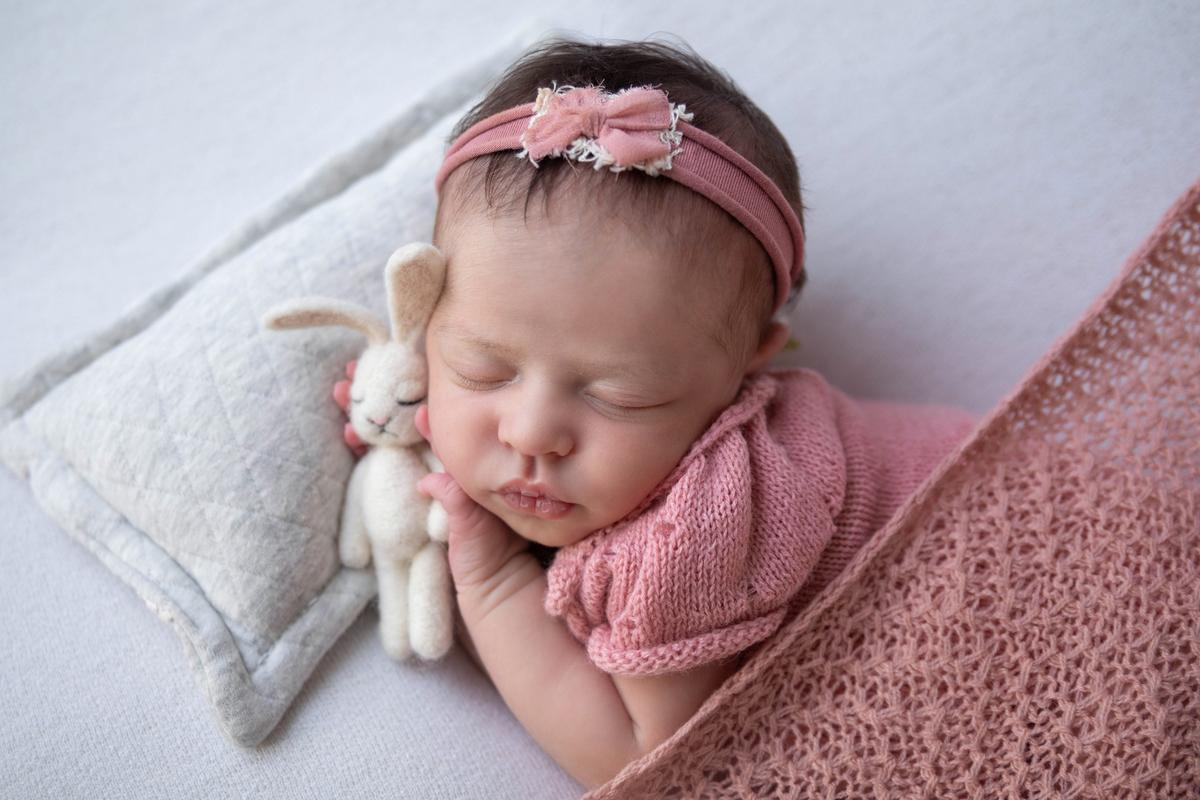 Bebe com ursinho dorminhoco, ensaio newborn Brasilia DF
