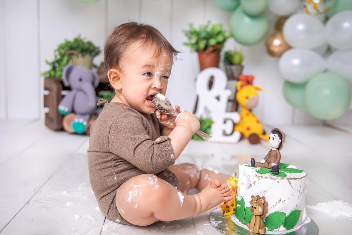 comendo bolo ensaio smash the cake, Gabi Aine, safari