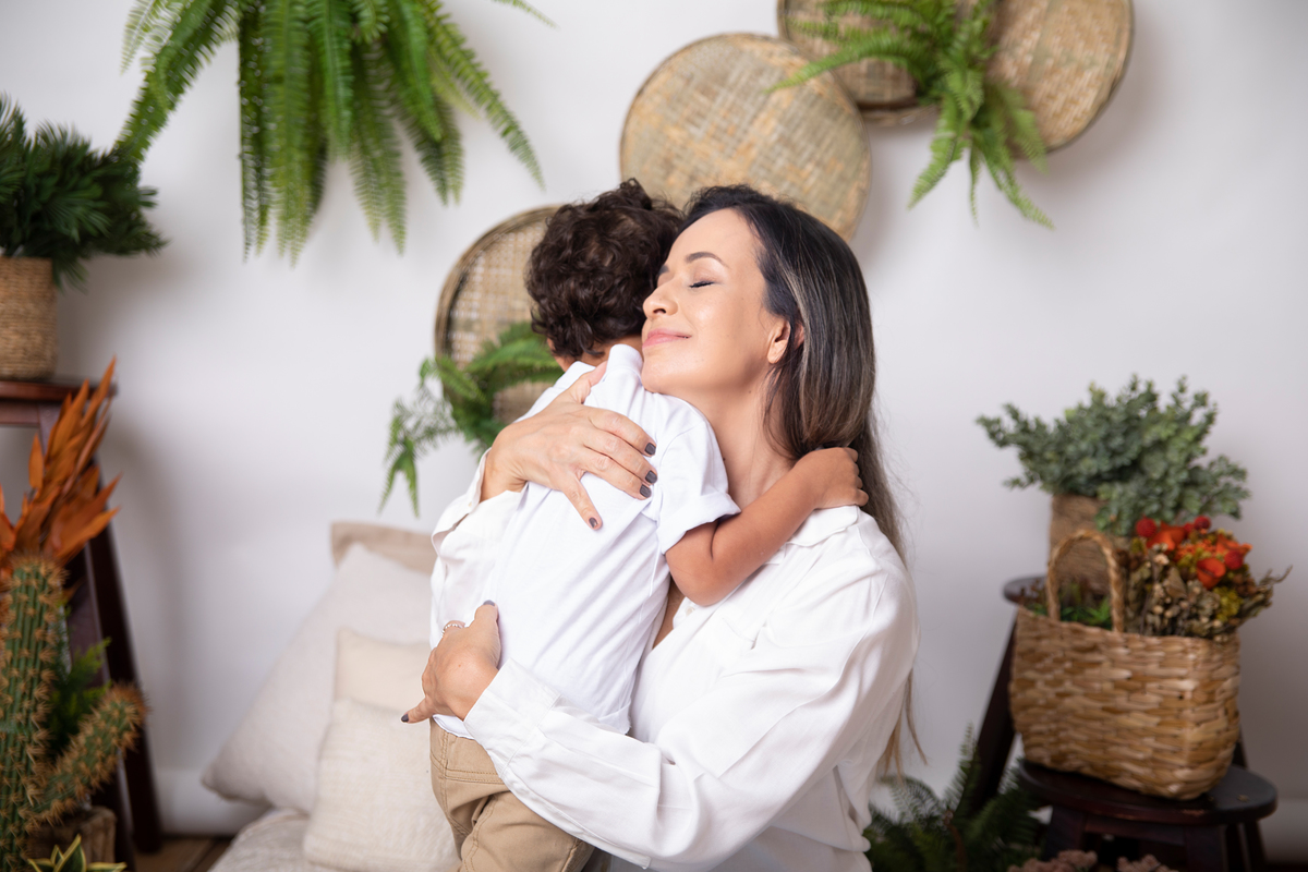 abraço ensaio dia das mães, cenário boho chic, dia das mães Brasília DF