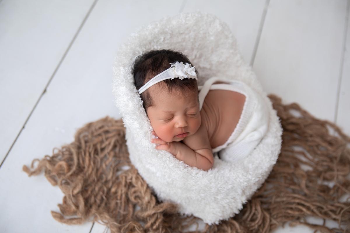 Newbirn Brasilia, Ensaio recém-nascido menina, produção Branca