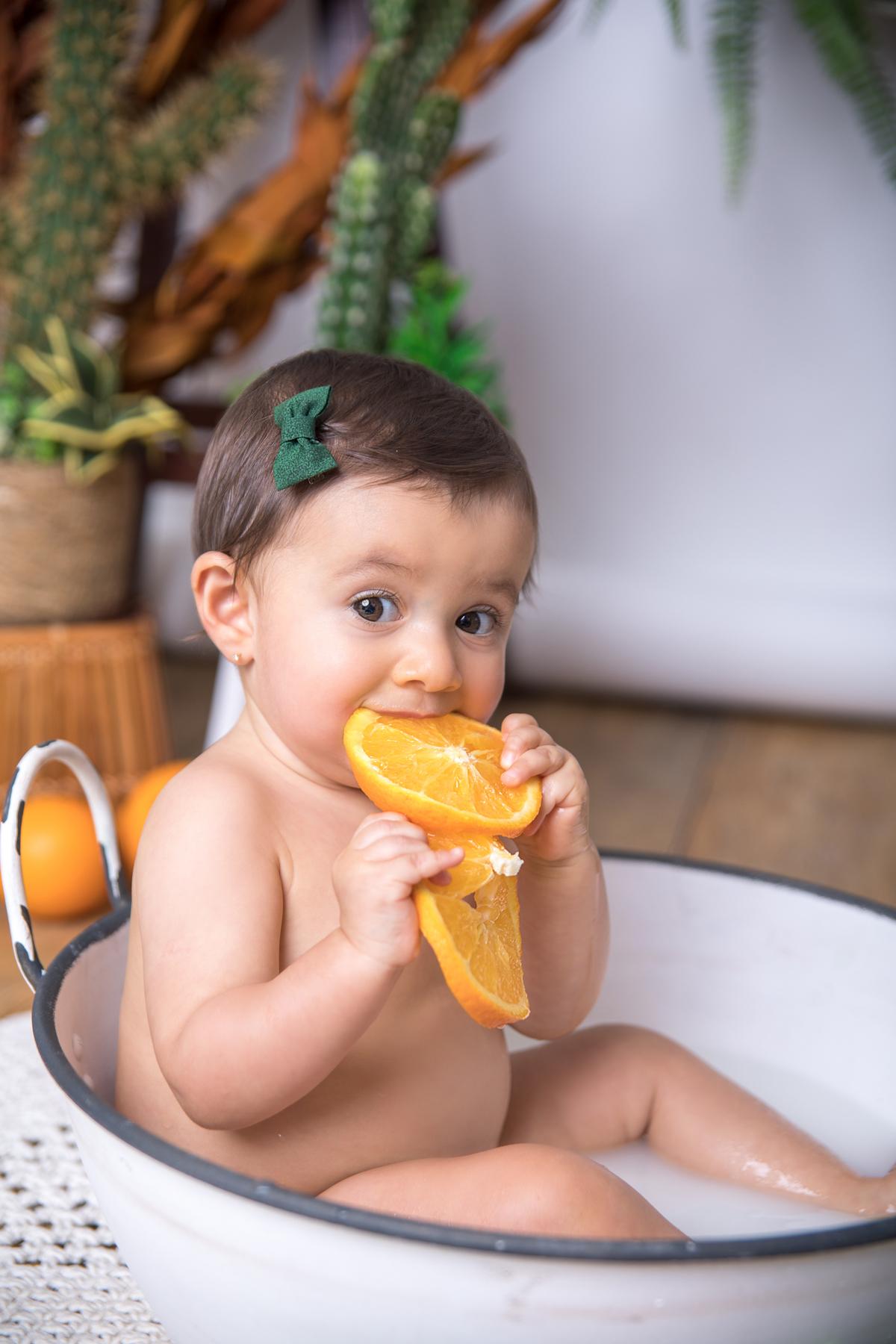 experimentando a laranja, em banho de leite