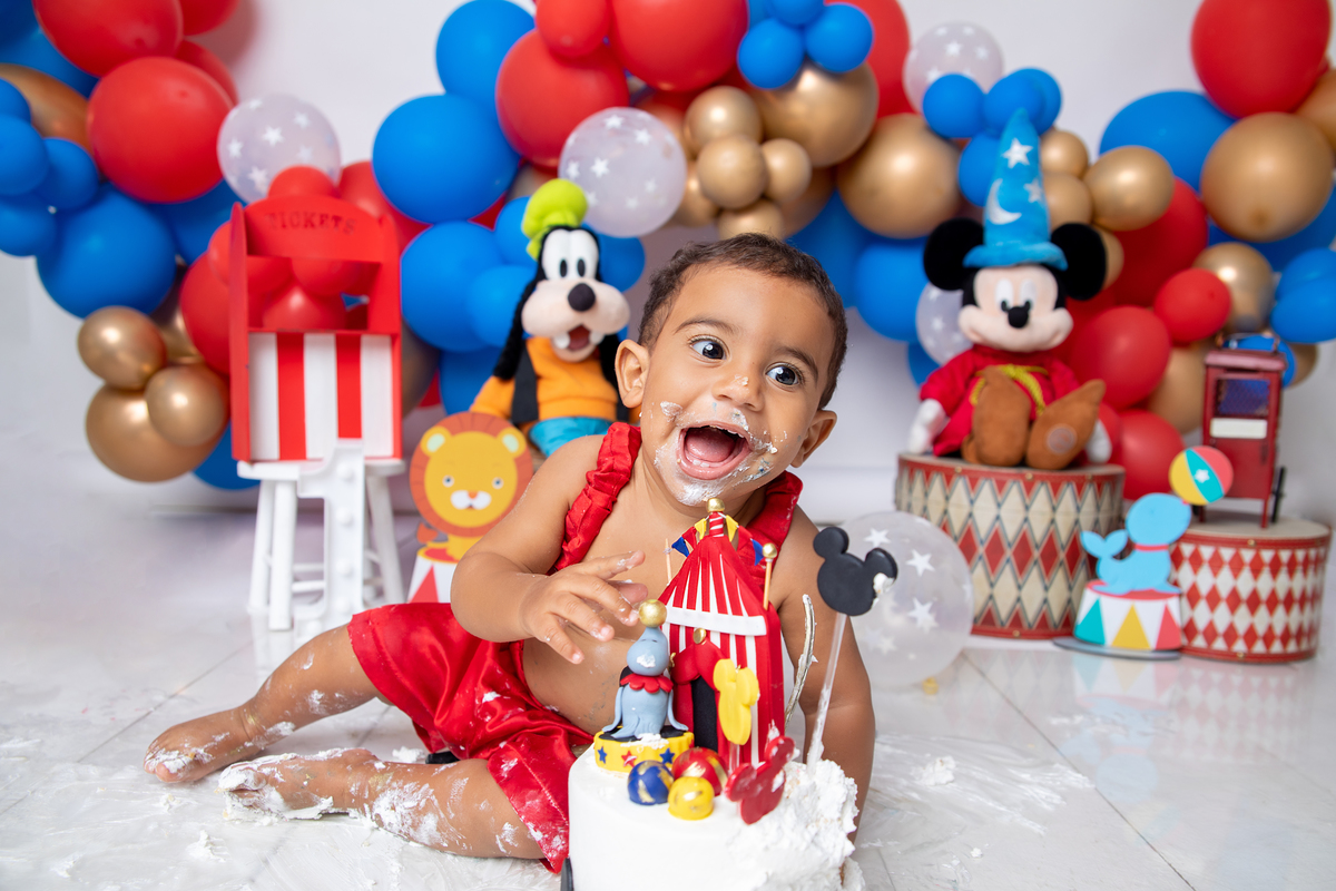 Sorrisos em Smash the cake Brasília
