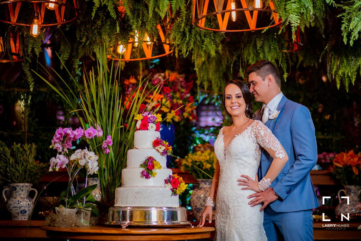 Imagem capa - Como nos sentimos ao casar? Isabella & Guilherme por Laert Nunes
