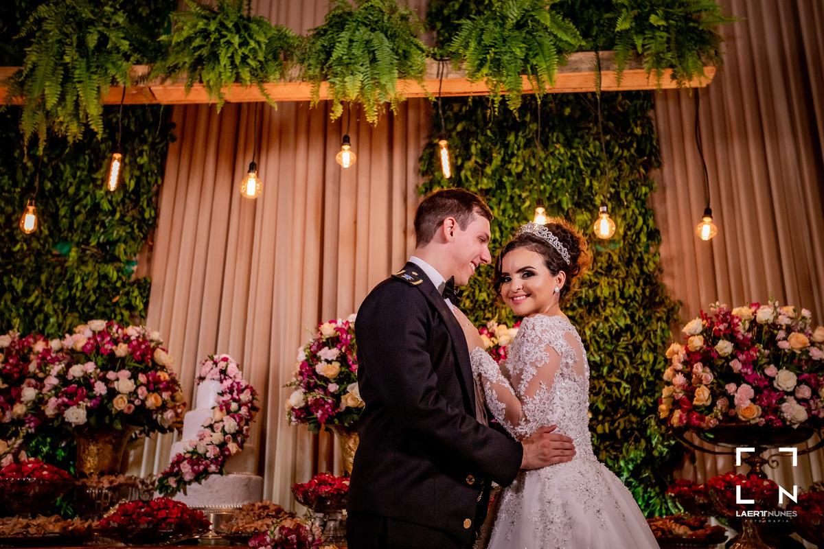 Imagem capa - Como nos sentimos ao casar?   Lorena & Arthur por Laert Nunes