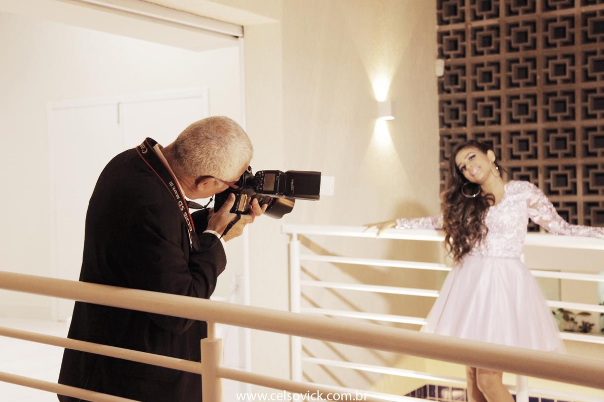 Fotografia Aniversário debutante Adhara realizado no Buffet Surreal, fotos Celso Vick