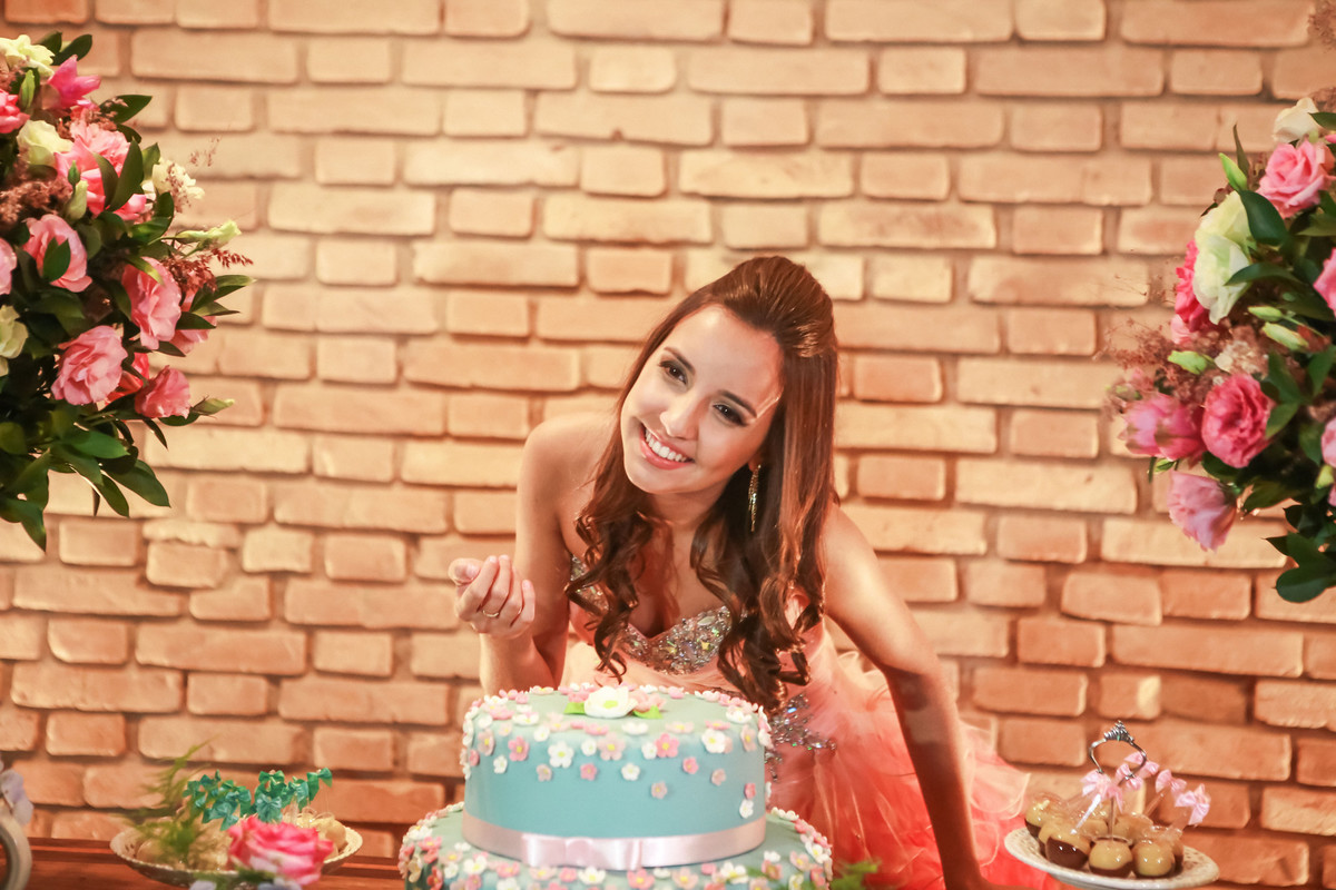 Em Santo André doros Aniversário de 15 anos Debutante Nathalia | Buffet Grande Ville| Charmosa Mansão no ABC | Fotos Vinícius Nakashima | Estúdio Celso Vick | Fotografia espontânea