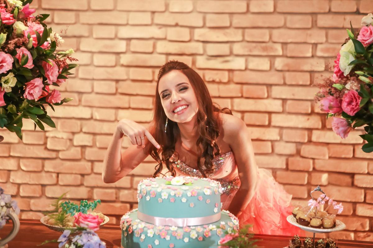 Fotografia de Aniversário de 15 anos Debutante Nathalia | Buffet Grande Ville| Charmosa Mansão no ABC | Fotos Vinícius Nakashima | Estúdio Celso Vick | Fotografia espontânea