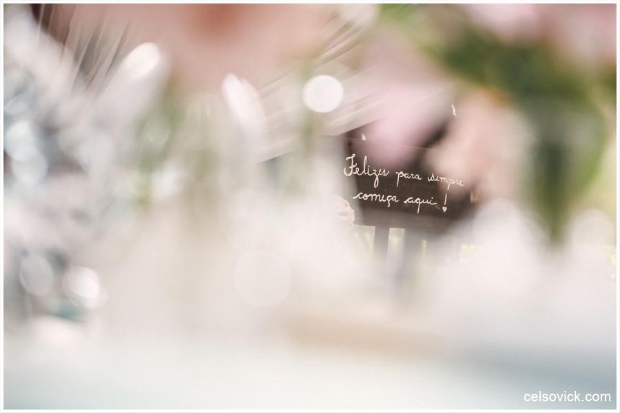 Festa de Casamento ao ar livre da Amanda e Rodrigo | realizado no Espaço Viela da Praia em São Sebastião SP | Assessoria da Tarsila Palma | Fotos Celso Vick e Vinícius Nakashima | Estúdio Celso Vick Fotografia Espontânea | A Vida é feita de histórias.