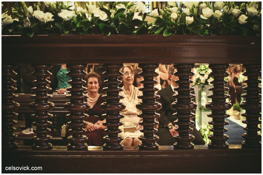 Fotografias da capela da puc Casamento da Marcella e Felipe| Realizado na Igreja Imaculada Conceição Capela da Puc | Fotos Vinícius Nakashima | Estúdio Celso Vick | Fotografia espontânea