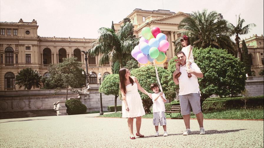 ensaio fotográfico externo com a família, parque da independência e museu do ipiranga