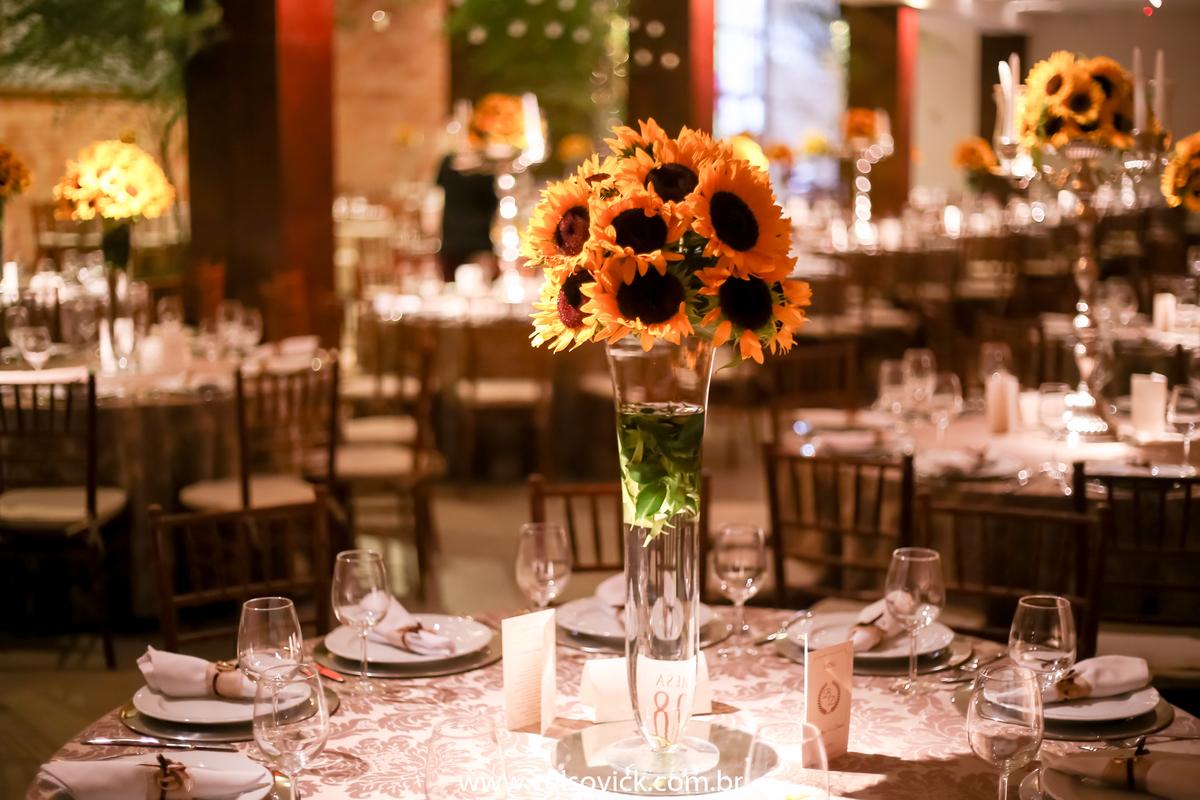 Imagem capa - Flor de Girassol | Decoração para Festa de Casamento  por Celso Vick Fotografias