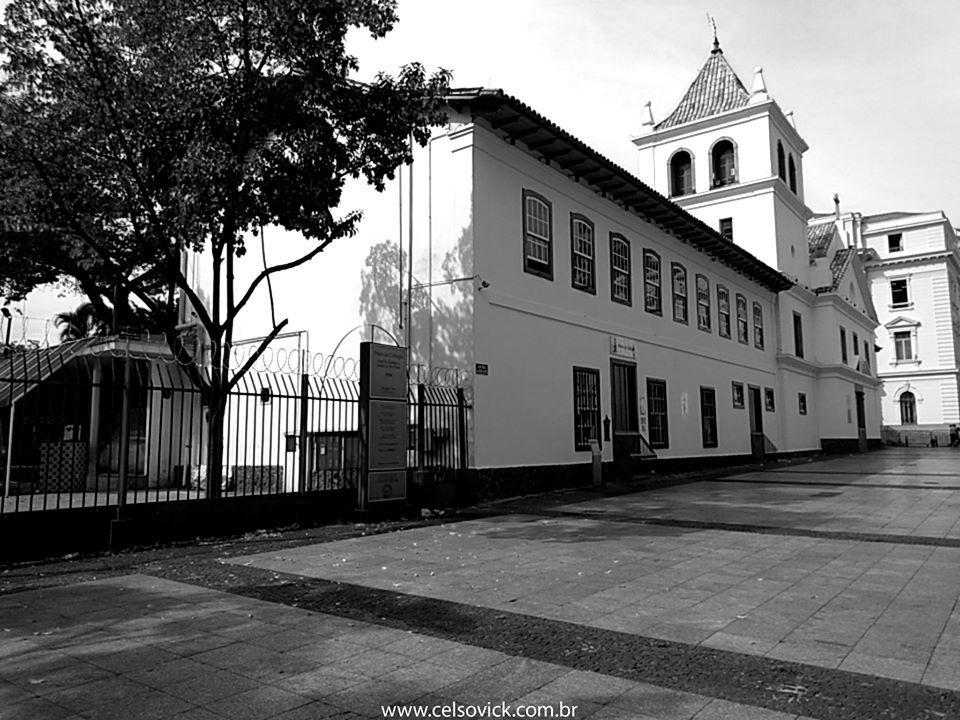 Imagem capa - Páteo do Colégio | Marco da Fundação da Cidade de São Paulo por Celso Vick