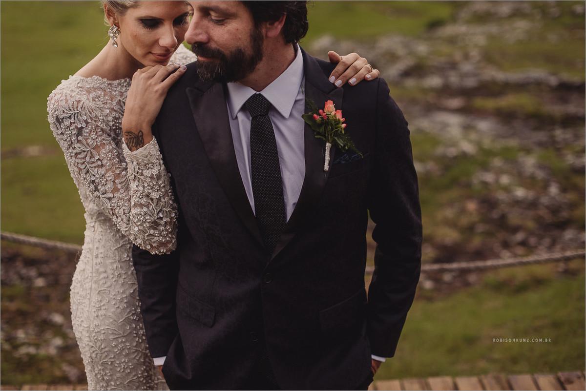 fotos diferente de noivos