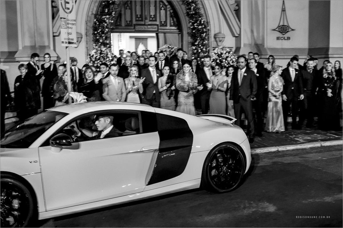 carro para saido dos noivos