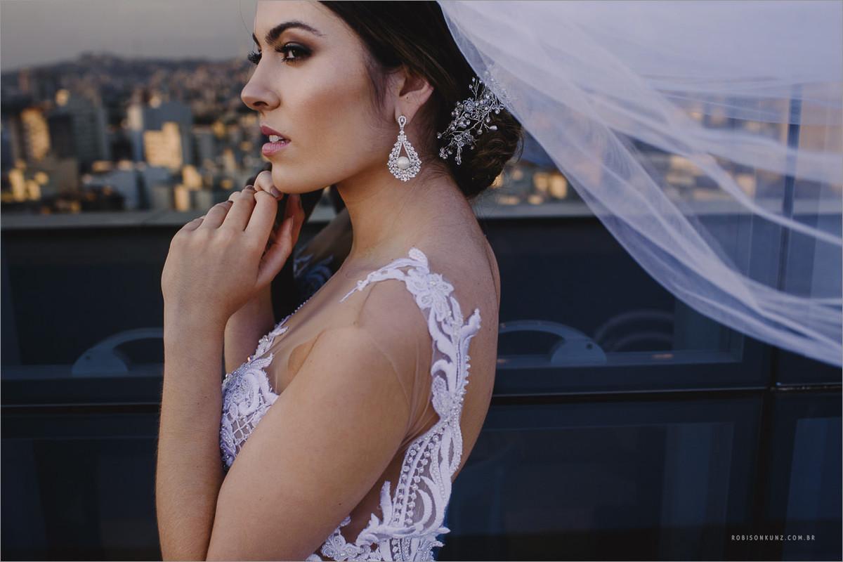foto de noiva no encima do prédio