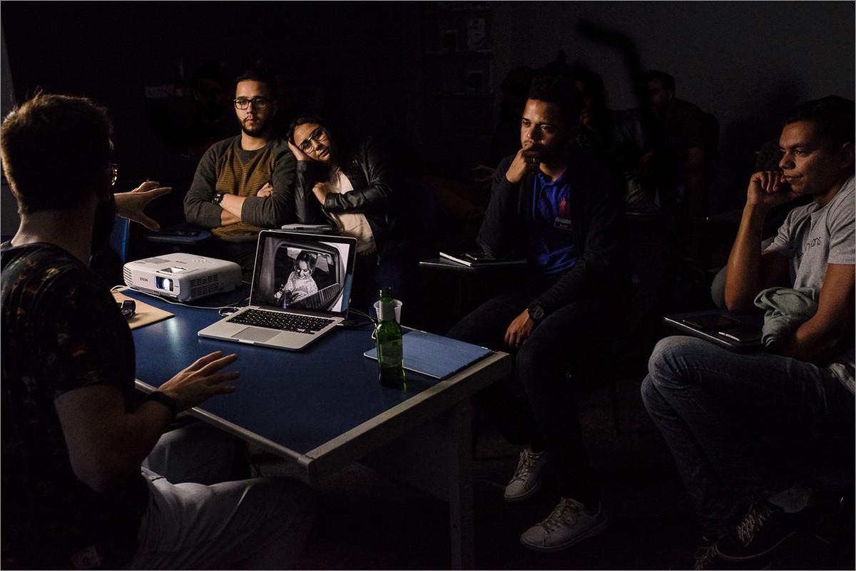 leitura de portfolio durante workshop