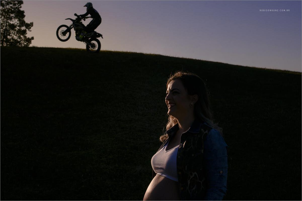 foto de grávida com moto
