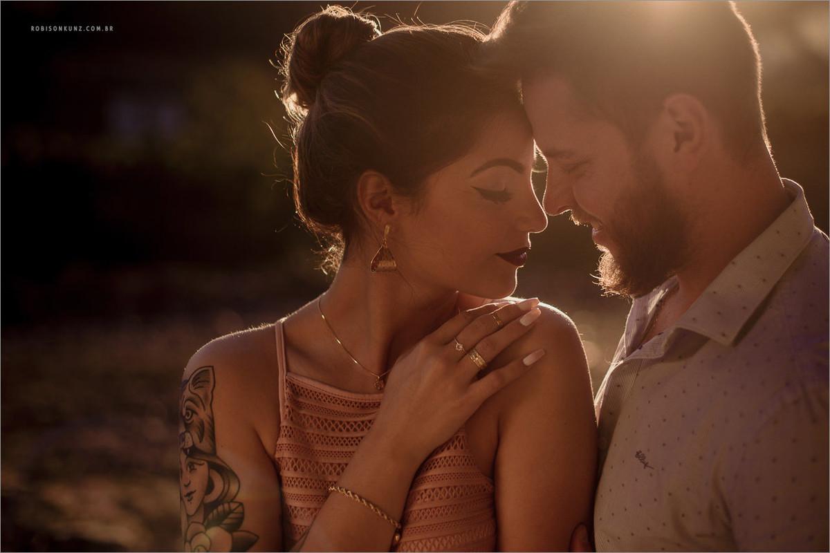 pré-casamento no por do sol
