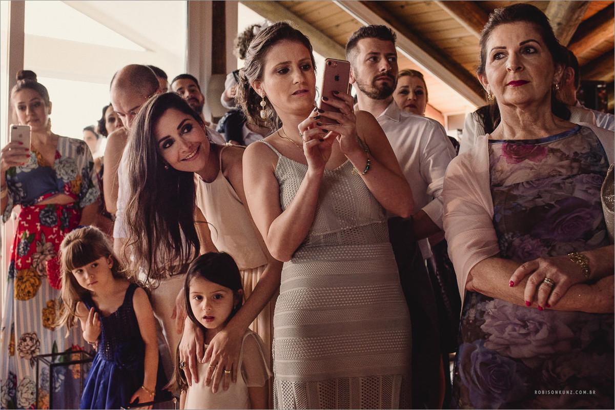 todos esperando a noiva