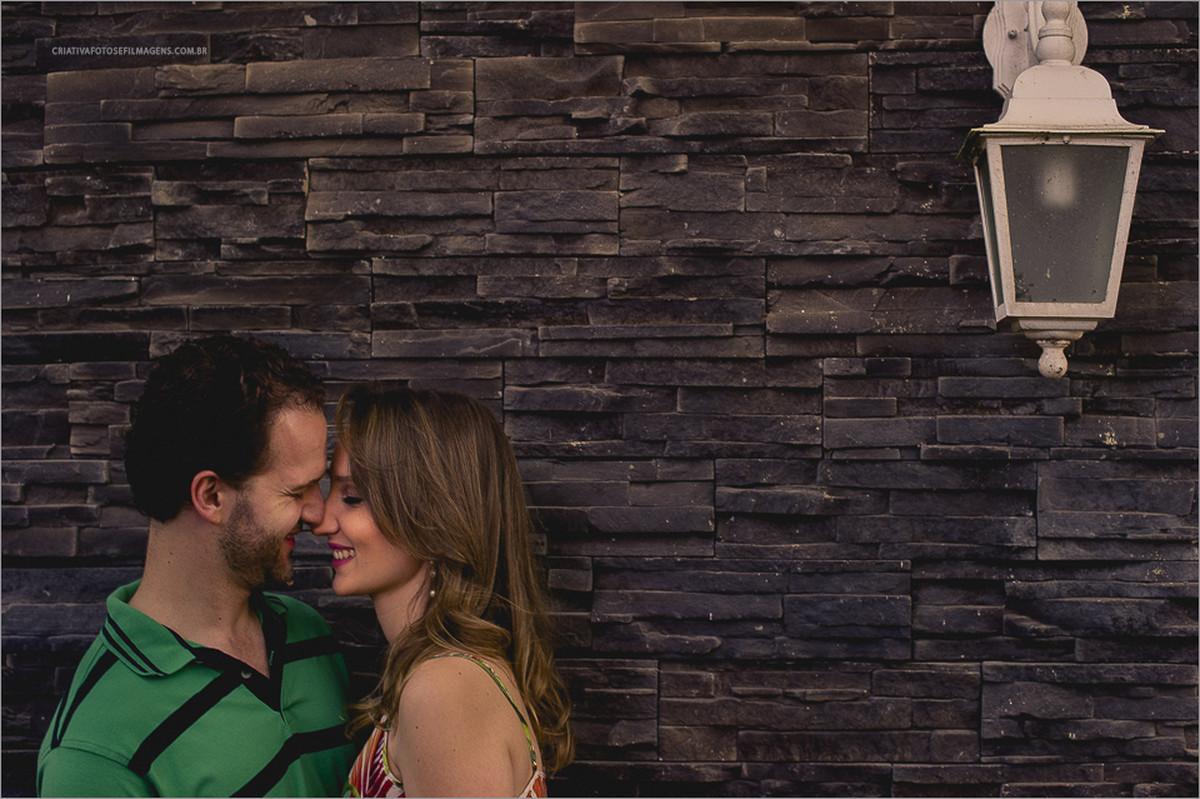 letizia-e-bruno-pre-casamento-ensaio-de-casal-sessao-fotografica-pre-casamento-pre-wedding-gramado-serra-gaucha-fotos-casal-gramado-fotos-casal-final-do-dia-fotos-noivos-robison-kunz-picada-cafe-fotografo-casamento-rs
