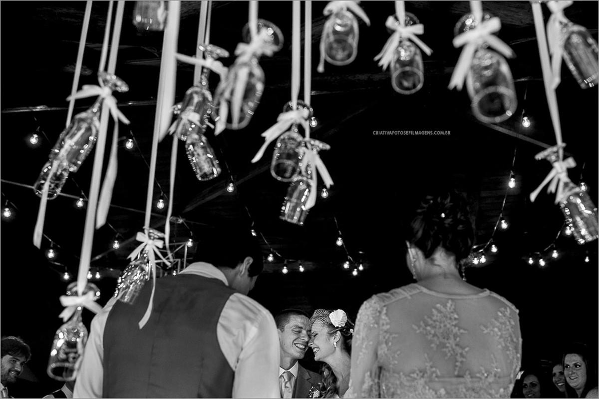 samantha-e-roberto-casamento-casamento-praia-do-rosa-praia-do-rosa-casamento-fazenda-verde-robison-kunz-fotografia-casamento-rs-fotografo-casamento-rs-casamento-na-praia-casamento-externo-casamento-diferente-casamento-de-dia