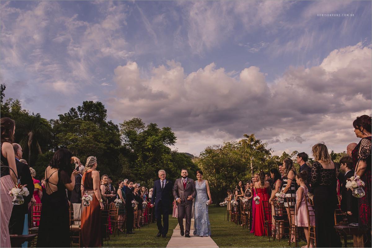 entrada do noivo casamento externo