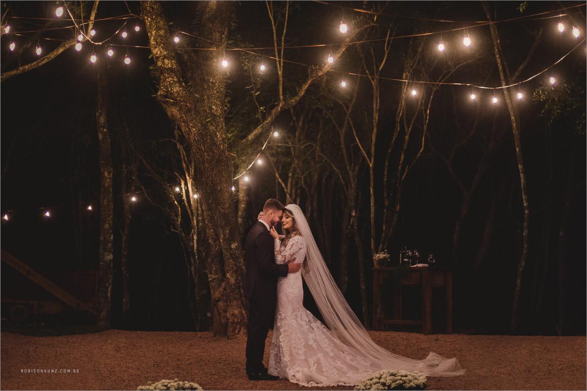casamento com luzinhas de decoração
