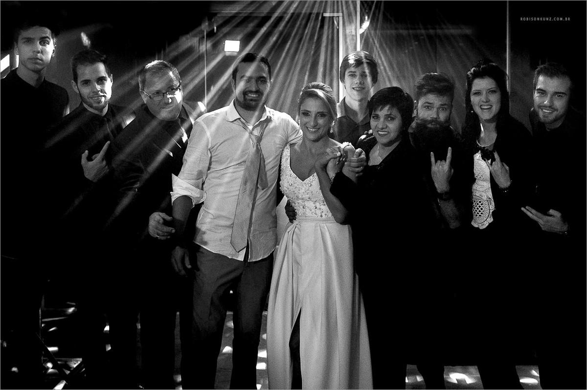 equipe robison kunz no final do casamento
