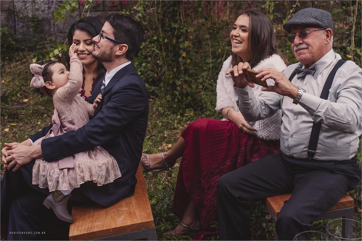 vo fotografando o casamento