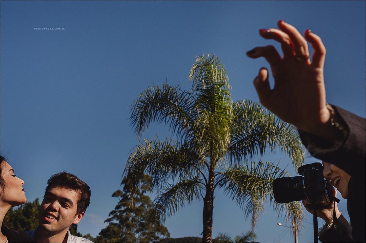 robison kunz fotografando o fotografo guilherme bastian na serra gaucha
