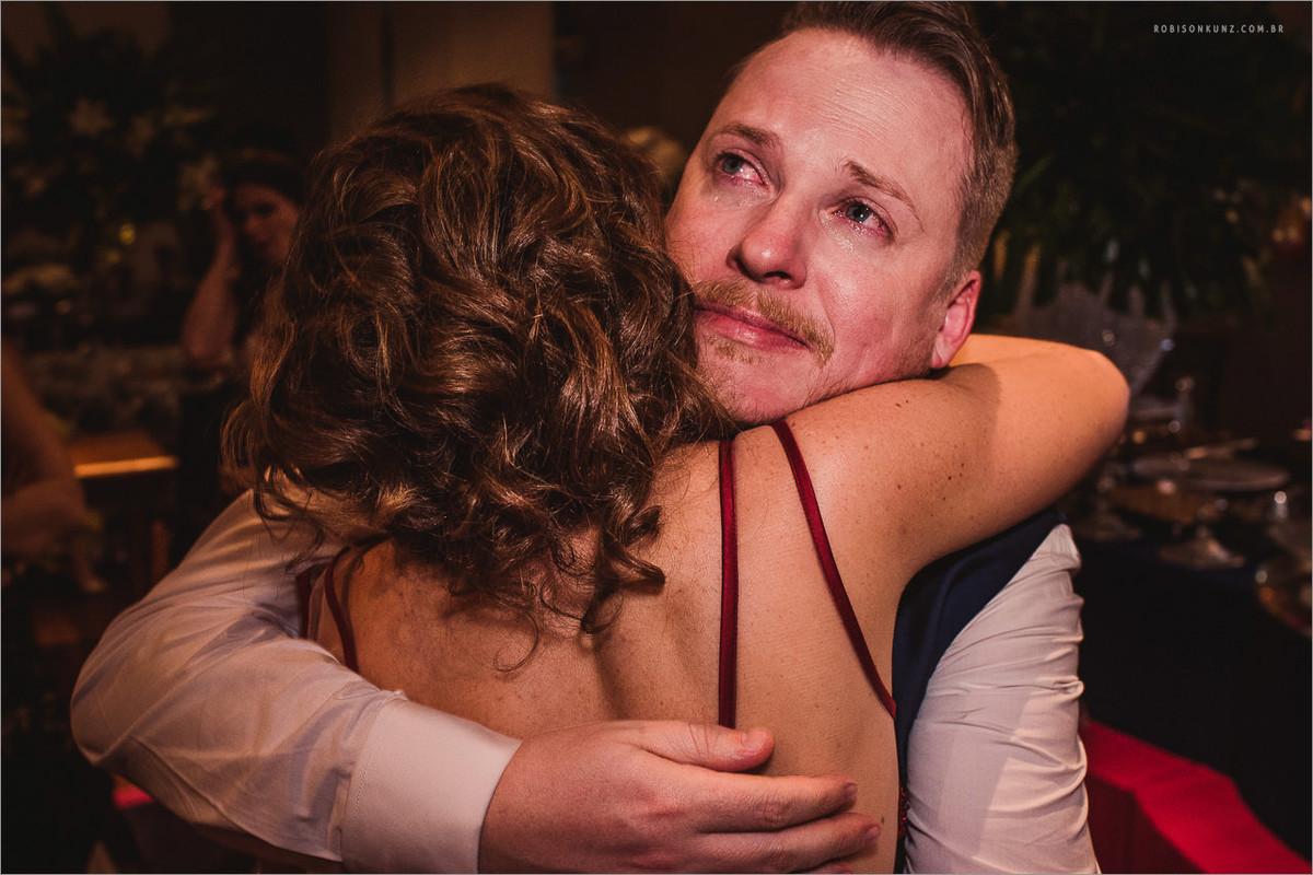 emoção no final do casamento