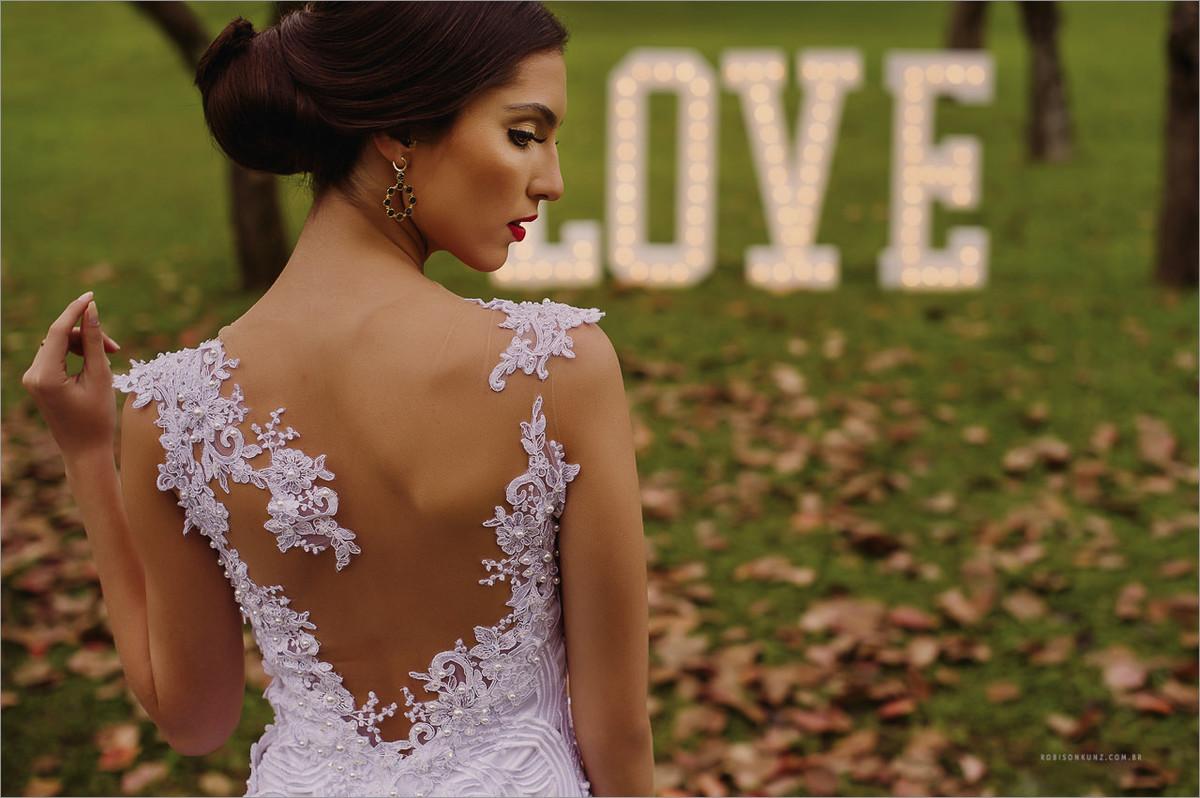 costas do vestido da noiva