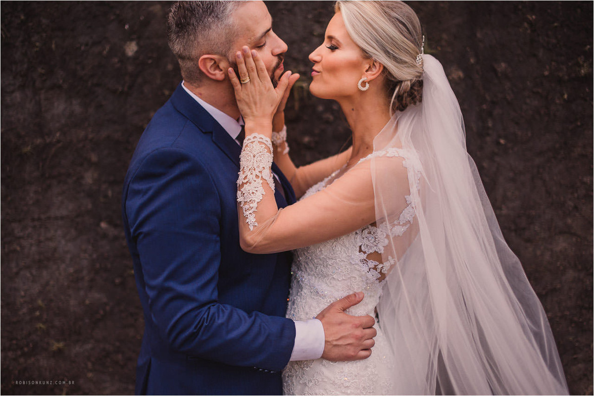 fotos diferentes de noivos
