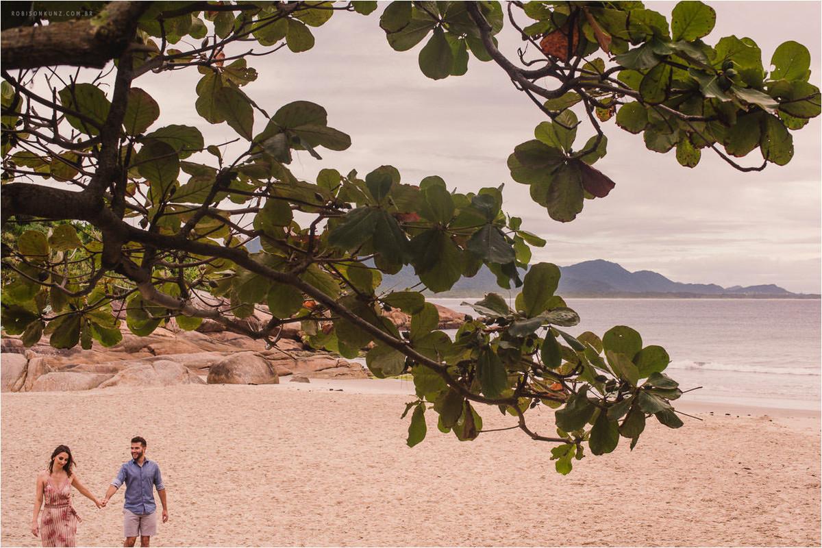 casal praia da barra da lagoa