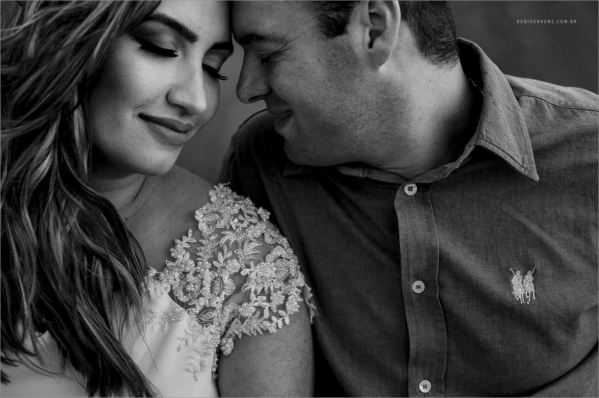 fotos preto e branco de pre-casamento