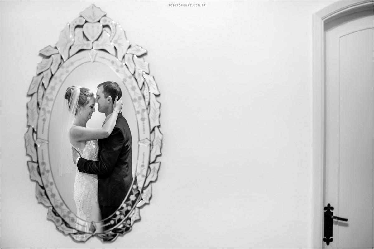 noivos no espelho
