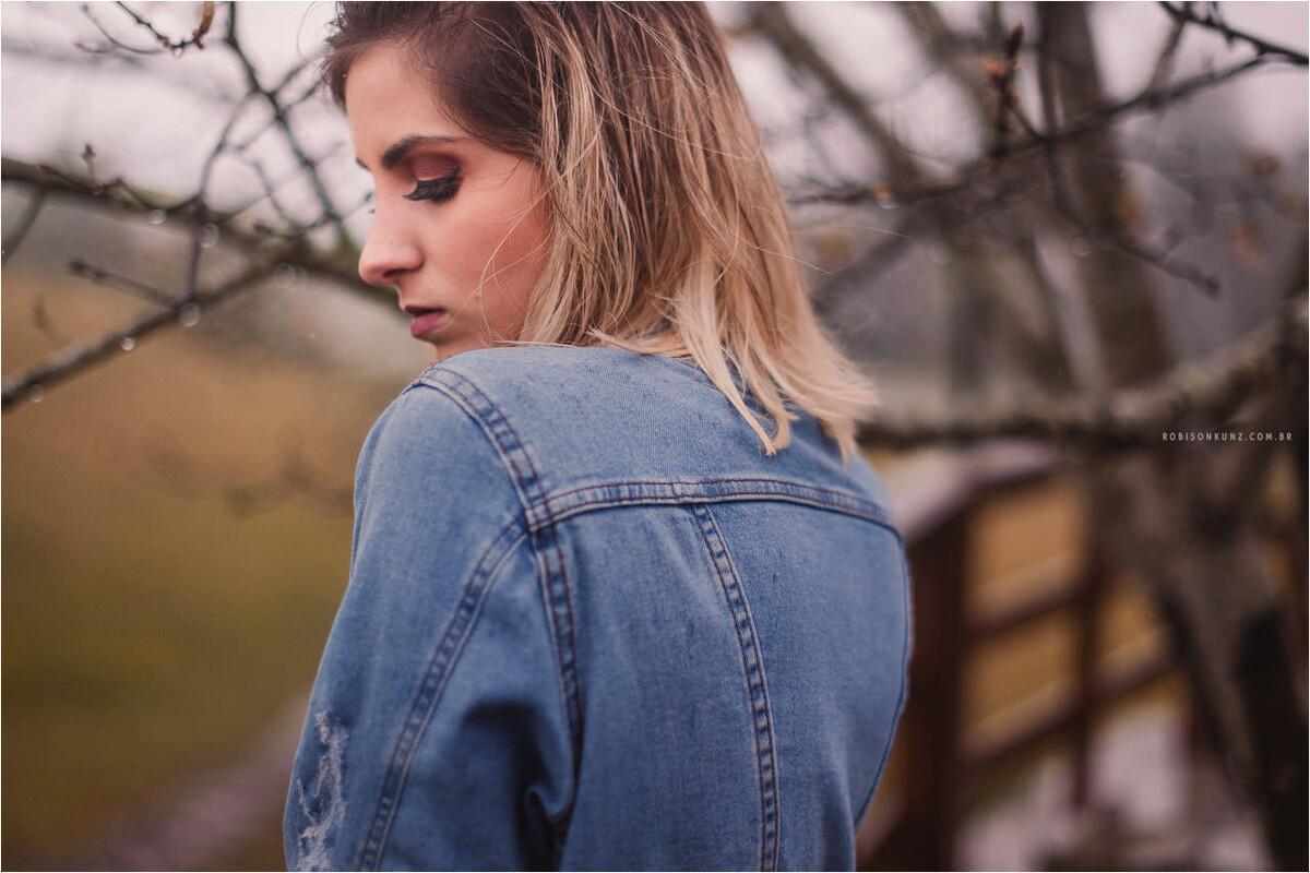 retrato feminino na chuva