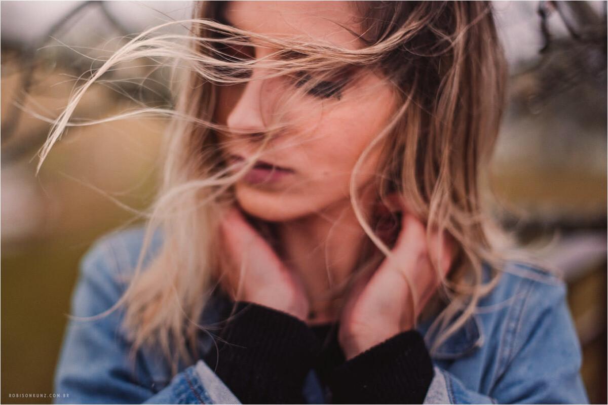retrato com vento e chuca