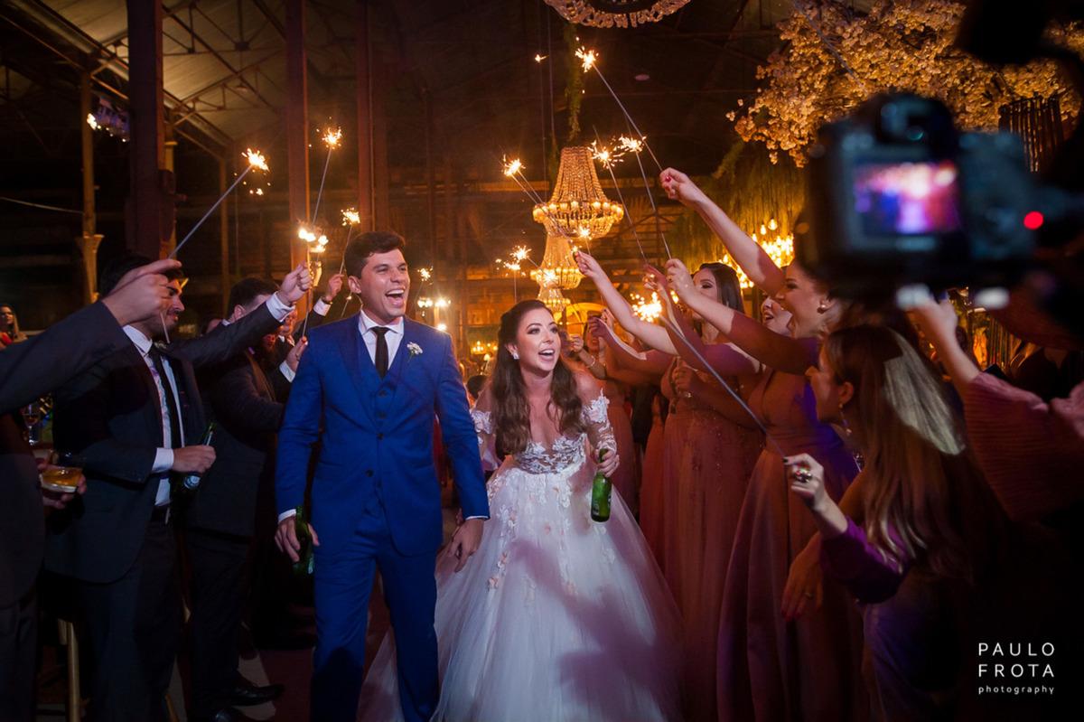 Imagem capa - Como fechar as fotos do seu casamento sem gastar nada, durante a quarentena. por Paulo Frota