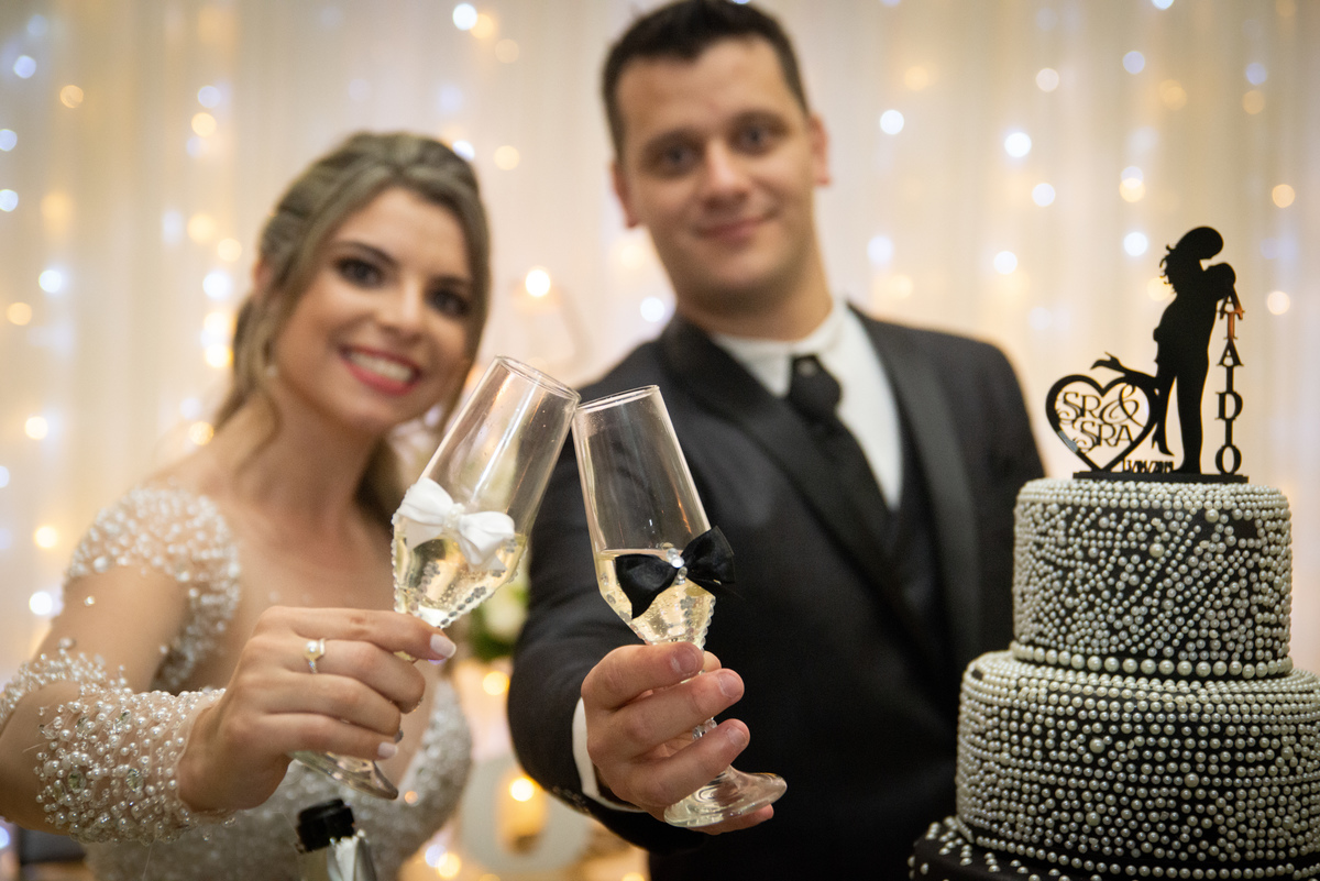 Imagem capa - Qual a importância da fotografia de casamento? E, por que contratar um fotógrafo de casamento? por Luiz F. Moretti