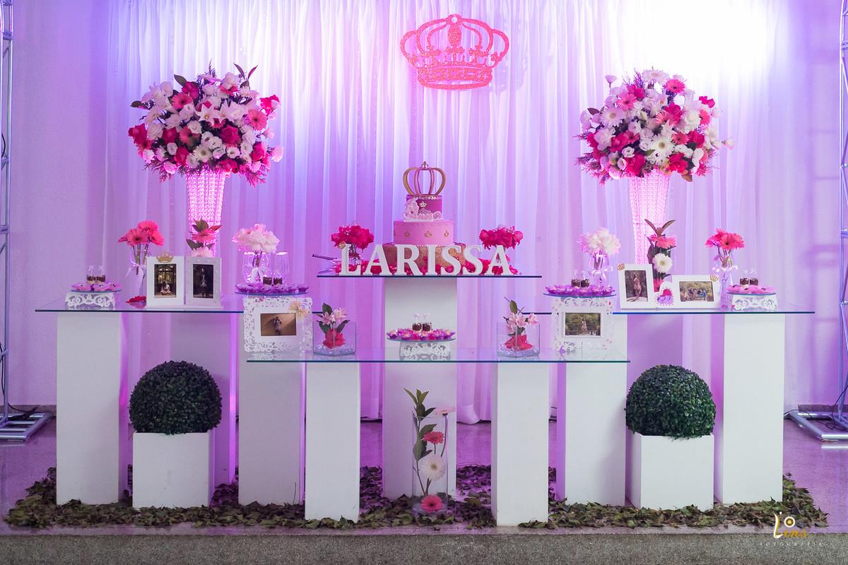 Festa de 15 anos festa de 15 anos larissa jean for Mesas decoradas para 15 anos