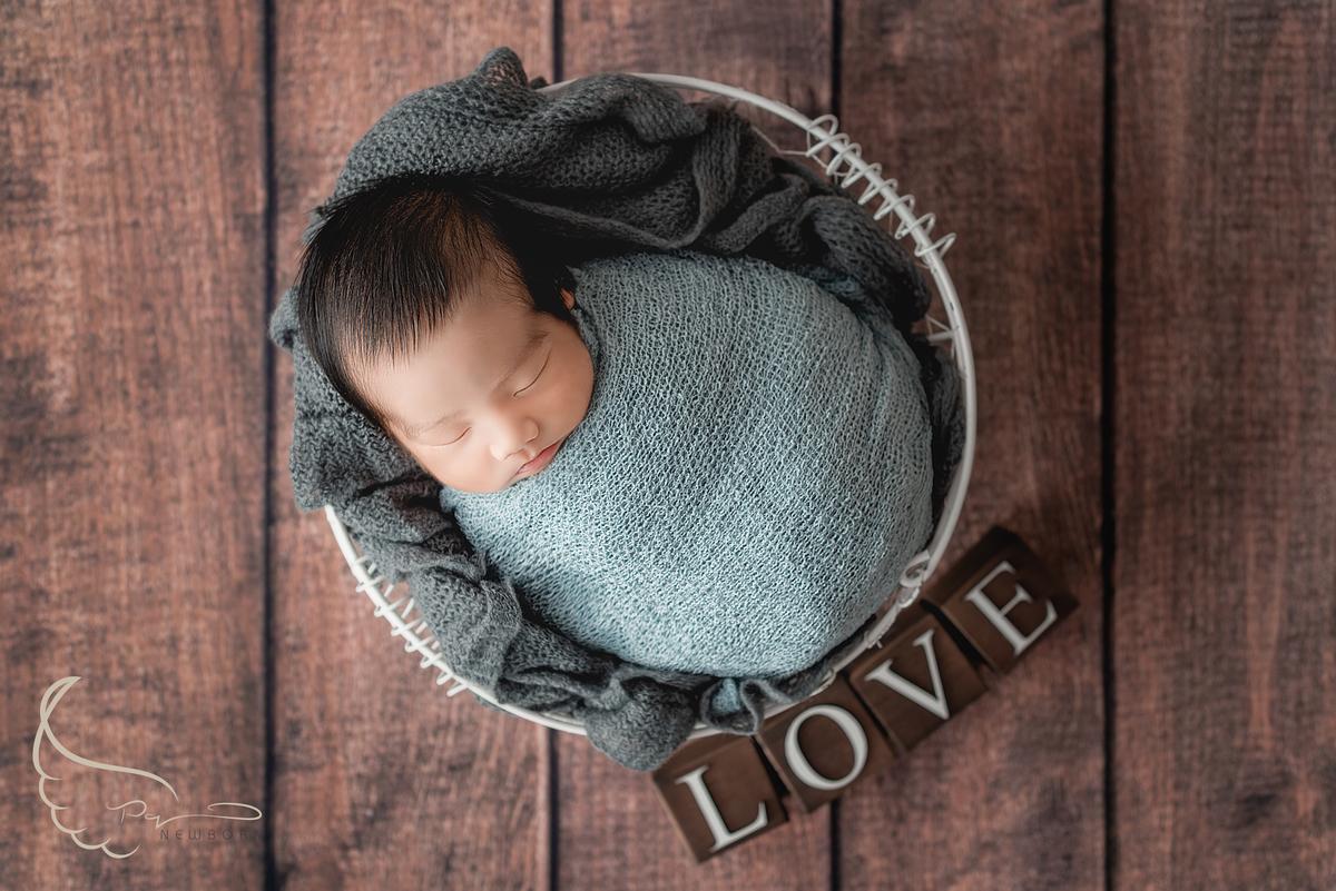 Imagem capa - O que é Fotografia Newborn? por Pequeno Querubim Fotografia