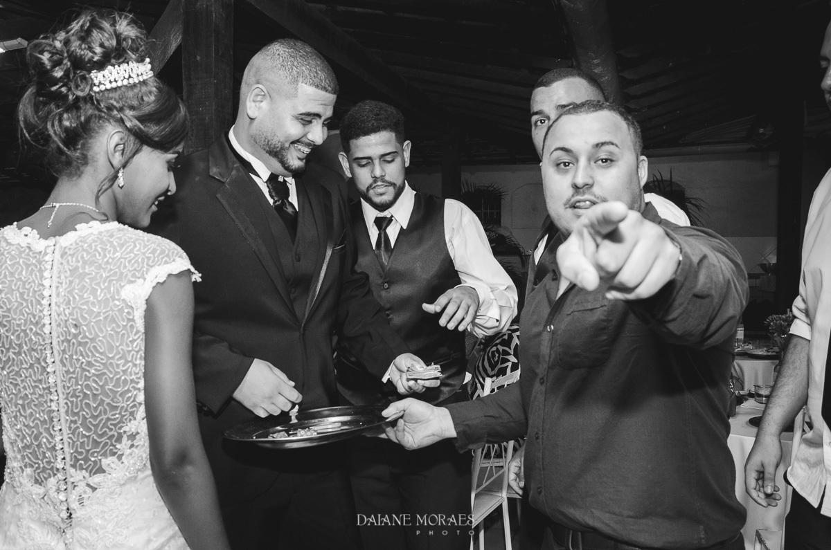 Imagem capa - 5 Dicas que toda noiva precisa saber para contratar seu fotógrafo de casamento por Daiane Moraes de Oliveira