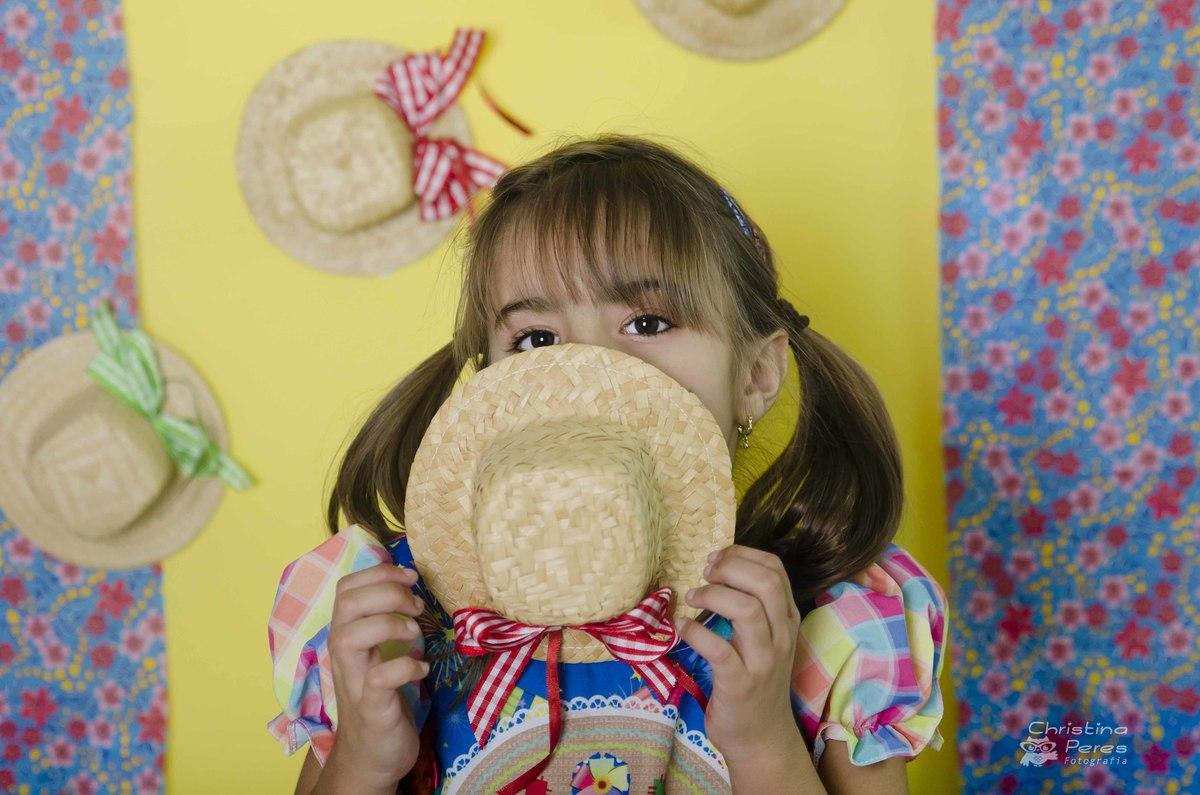 Ensaio Junino | Ensaio Infantil Temático | Ensaio Menina | Fotos Temáticas | Book Infantil | Christina Peres | Barra da Tijuca