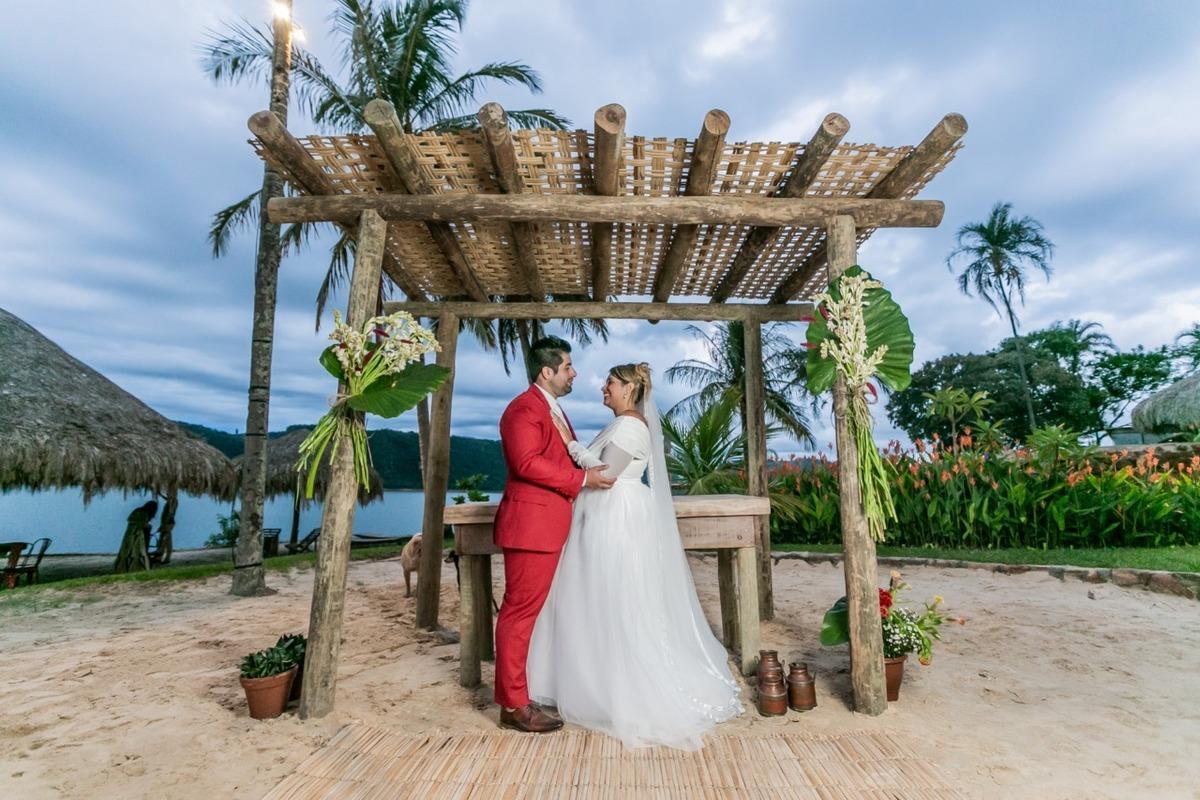 Imagem capa - Casamento na Praia: o que é preciso para ter o grande dia dos sonhos por History Produtora