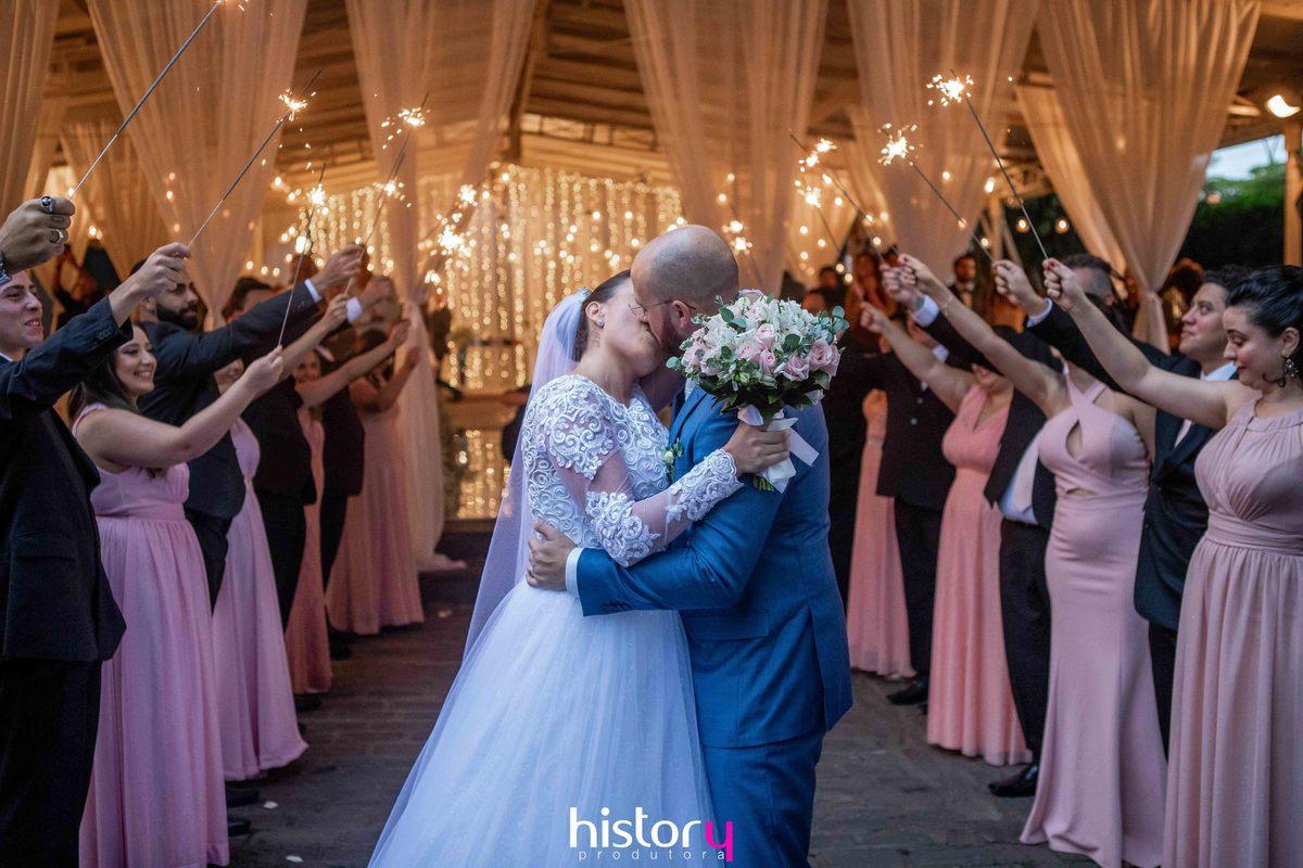 Imagem capa - A importância de uma boa fotografia e um bom filme de casamento. por History Produtora