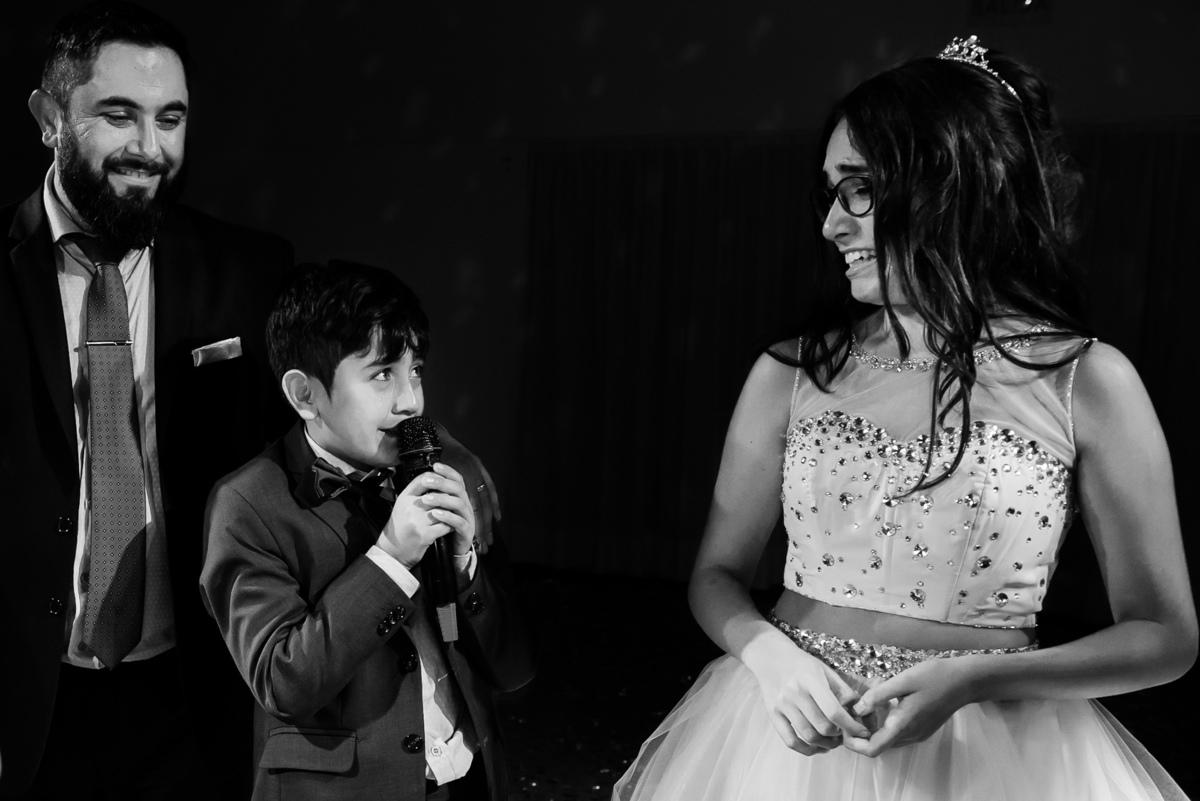 Imagem capa - No solo en las bodas pasan cosas.En los 15 también. por Horacio Carrano